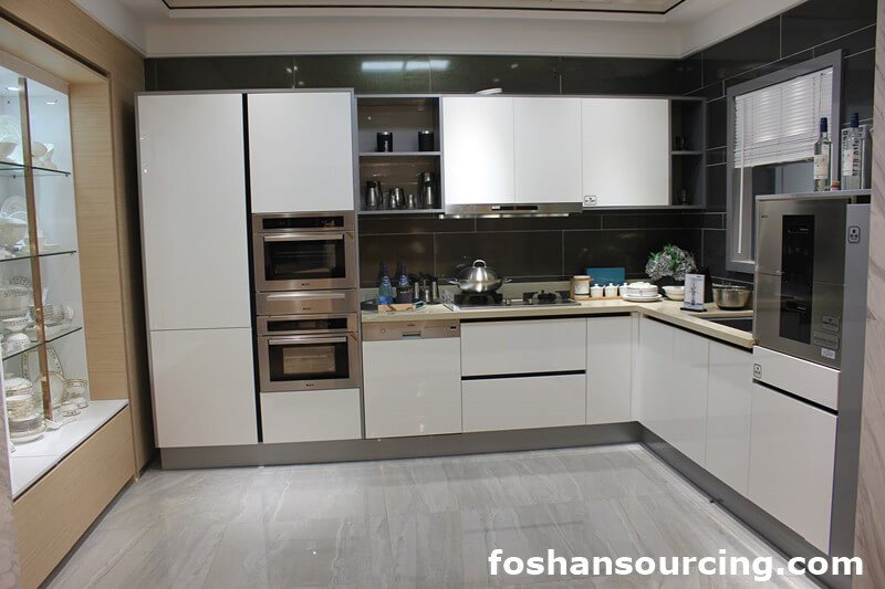 Whole High Gloss Uv Finish Modular Kitchen Cabinet