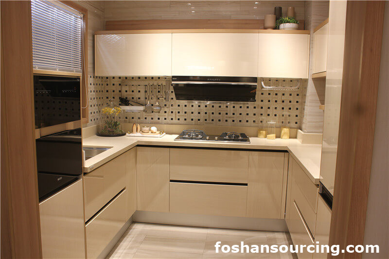 New Hot Selling Design White Painted Shaker Used Doors Kitchen Cabinet from China Factory